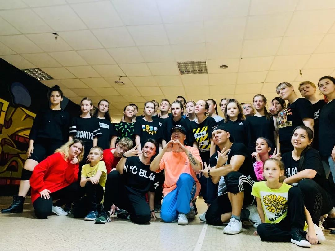 唯舞赛事播报丨俄罗斯O SNOVA街舞比赛荣获四冠一亚好成绩!